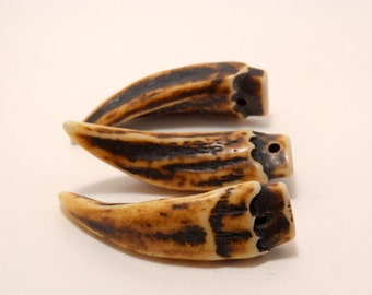 resin pendant - tooth/claw - 60mm - 1piece