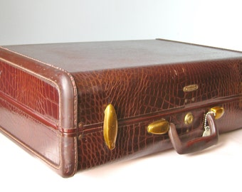 Locking Suitcase / Vtg 60s  / Samsonite Mock Croc Locking Suitcase