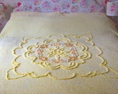 Vintage candlewick double bedspread in lemon - excellent condition