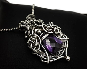 Heady wrap - Pendant with Alexandrite - Purple pendant - Color changing - Wrapped pendant - Wirework - Wirewrapped