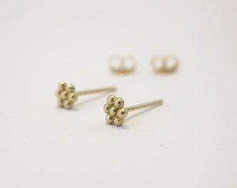 Tiny Flower studs. 14k Gold flower studs. Small stud earrings. Solid gold studs.