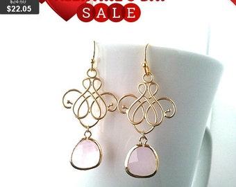 Blush Pink Chandelier earrings, Wedding Earrings, Bridal Jewelry, Birthstone, Drop,Dangle,bridesmaid gifts,Pink Earrings, Gift for Her, GIFT