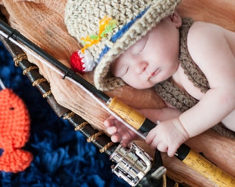 Crochet newborn 0-3 month baby fishing fisherman hat with 2 fish boy or girl great photography photo prop