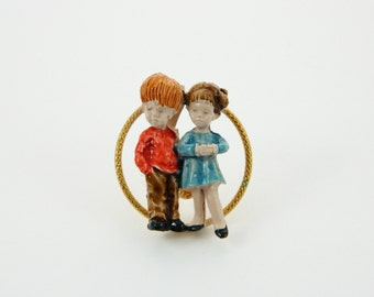 Painted 70s Folk Art Brooch - Fran Mar Circle