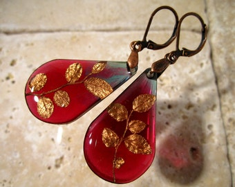 Red Huckleberry leaf teardrop dangle earrings, antique copper, woodland, forest, red, purple, plant, nature, leaf earrings