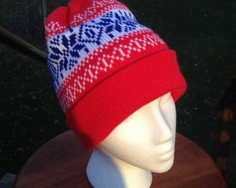 Young Amy Pond Cuff Pom Beanie Hat - Red - Medium