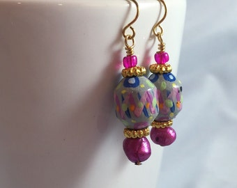 Carnival earrings, handpainted bead, harlequin style, tiny painting, handpainted beads, purple earrings, purple gold earrings, Mardi Gras