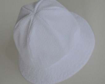 """Hat for baby or toddler, seersucker hat, summer hat, traditional style hat, gift idea, summer picnics. sizes 18"""" - 21""""."""