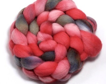 Roving - Hand Painted - Be my Valentine - Falkland wool - 4 ounces