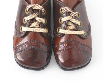 Vintage Toddler Shoes / Brown Saddle Shoes / Vintage Baby Shoes / 1960 Shoes / Toddler US Size 5.5 to 6.5