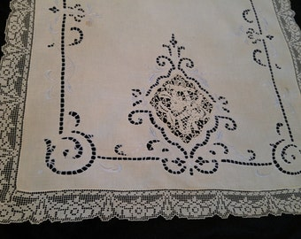 Vintage Bureau Scarf of Linen Cotton in Ecru and Antique Blue Cut Work and Lace