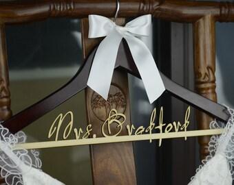 Personalized Rustic Wedding Dress Hanger, New-tech Bride Bridesmaid Wood Name Hanger, Custom Wedding Bridal Hanger, Bridal Shower Gift CM005