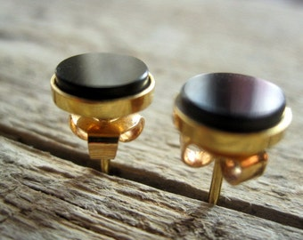 Vintage Gold and Onyx Earrings.