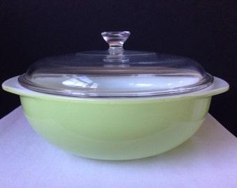 Pyrex - Lime Green - 2 QT. Casserole Dish - Clear Lid - 024