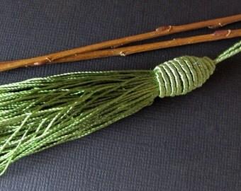 """Luxe Green Tassel, 3"""""""