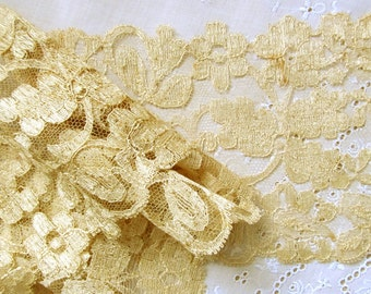 """Victorian Antique Silk Chantilly Lace Ecru Shimmer Cream Border Pattern with Scalloped Edge; 44"""" Long"""