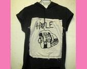 DIY Hole shirt. Pretty on the Inside