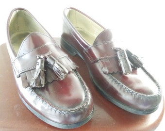 Men's Slip-On Shoes, Burgundy Bostonian Shoes, Tassel Loafer Shoes, Size 8 M, gift for man, gift for teen, leather shoes