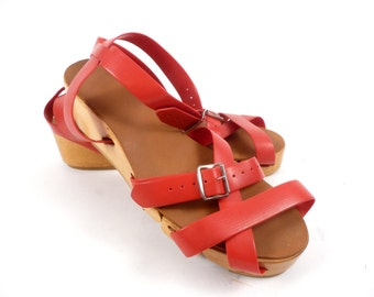 Vintage 50s Flexiclogs Red Strappy Wooden Hinged Sandals Shoes 6