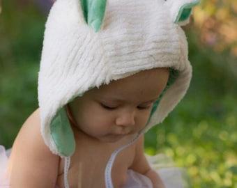 Baby Bear Bonnet with Ears / Child Bear Bonnet / Bonnet with Ears / Bonnet with Pom Pom / Bear Hat / Bear Bonnet / Hats with Ears