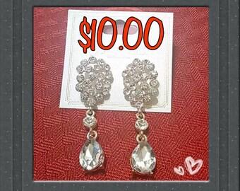 Ladies Costume Jewelry Earring