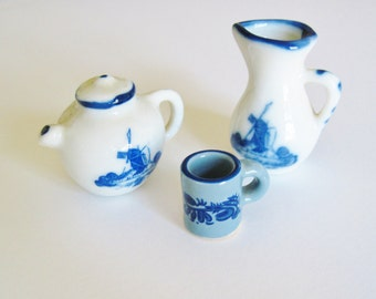 Doll House China, Tea Set,Teapot, Pitcher, Cup, Diorama, Delft Blue, Windmill