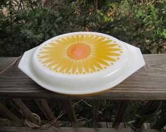 Pyrex sunflower divided covered casserole