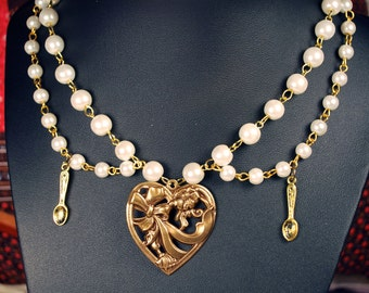 Heart and spoons tiered pearl lolita necklace