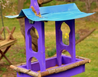 Bird feeder, birdfeeder, functional bird feeder, pagoda, pagoda bird feeder