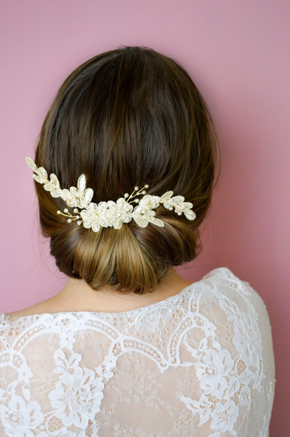 Ivory Lace Hair Comb - Wedding Comb -  Bridal Hair Accessories - Lace Headpiece - Vintage Style Hair Comb -