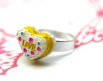 Yellow heart LOVE cake ring by MillyPops - Kawaii, Kitsch, Lolita, Fairy Kei