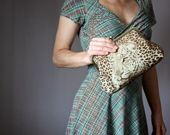 Cheetah Print clutch, leather Clutch, Leopard leather Clutch, Cheetah Clutch, Animal Print, Statement Clutch, Vintage Kiss Lock Frame Clutch