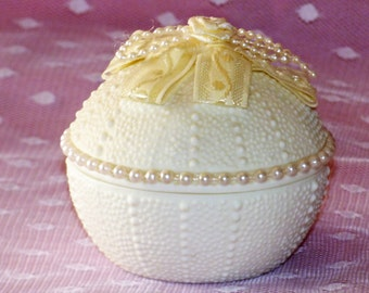 Small Round Bisque Beaded Trinket Box
