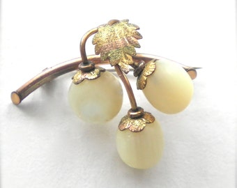 Antique VICTORIAN  Brooch Pin Mother of Pearl Grapes with 14K Gold Branch & Green Gold Leaf late 1800's