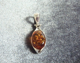 Sterling Silver Amber Pendant P50
