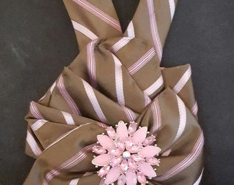 Brown and pink tie design