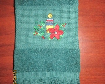 Christmas Candle Fingertip Towel