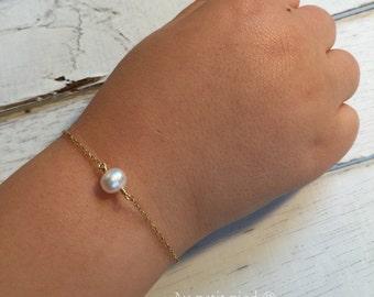 pearl baby bracelet-baby shower gift- baby girl gift- toddler bracelet-christening gift- baptism gift-girl gift-toddler bracelet-flower girl