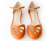 Orange Pie - Sandal in orange leather - Handmade in Argentina - Free shipping