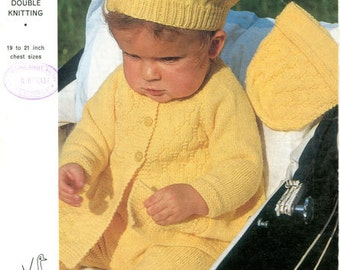 baby knitting pattern for  Bonnet or beret pram set with footles leggings in double knitting - 19  and 20 in