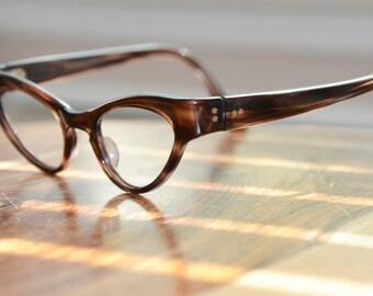 Vintage Cat Eyeglasses Harlequin Tortoiseshell 44/22 EI Frame France NOS