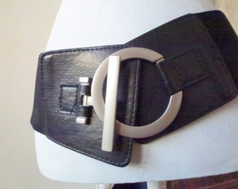 chunky black belt- mid century modern- vintage fashion for her- black and silver