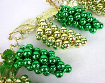 Vintage Vineyard of Grape Cluster Christmas Tree Ornaments with Garland