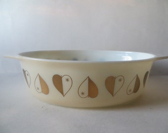 Mid Century Pyrex Golden Hearts Promotional 2 and 1/2 Quart Casserole
