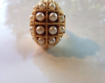 Vintage Poison Ring Faux Pearl Locket Ring  Avon Rings Jewelry Perfume Locket Boho Jewelry Essential Oil Diffuser  Aromatherapy
