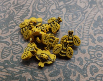 Bee buttons, lucite bees, yellow bee, insect, honey bee, yellow button