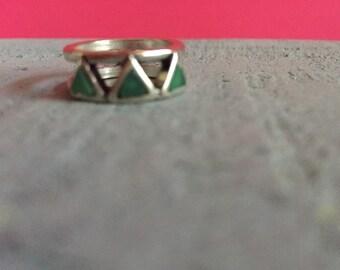 Green Metal Stoned Silver Midi Ring