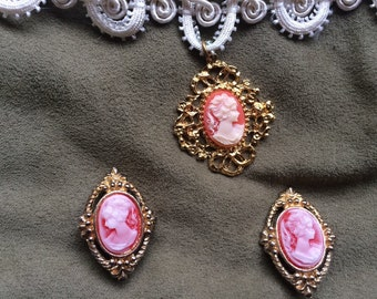 Costume cameo necklace and earrings