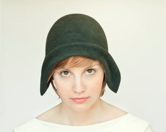 On sale Green  felt cloche vintage style handmade hat, gatsby style women hat