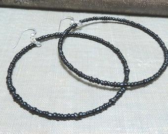 beaded hoop earrings black red silver glass seed beads